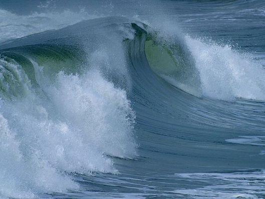 640px-Ocean_surface_wave PDphoto WC