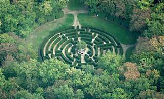 320px-Chenonceau_maze,_aerial_view Lieven Smits WC
